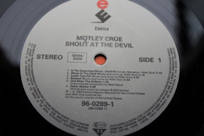 Motley Crue Shout At The Devil2