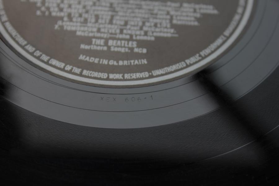 How to define The Beatles Revolver MONO 1st UK Vinyl Pressing