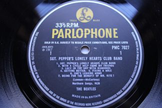 Beatles SGT Pepper's Lonely Hearts5